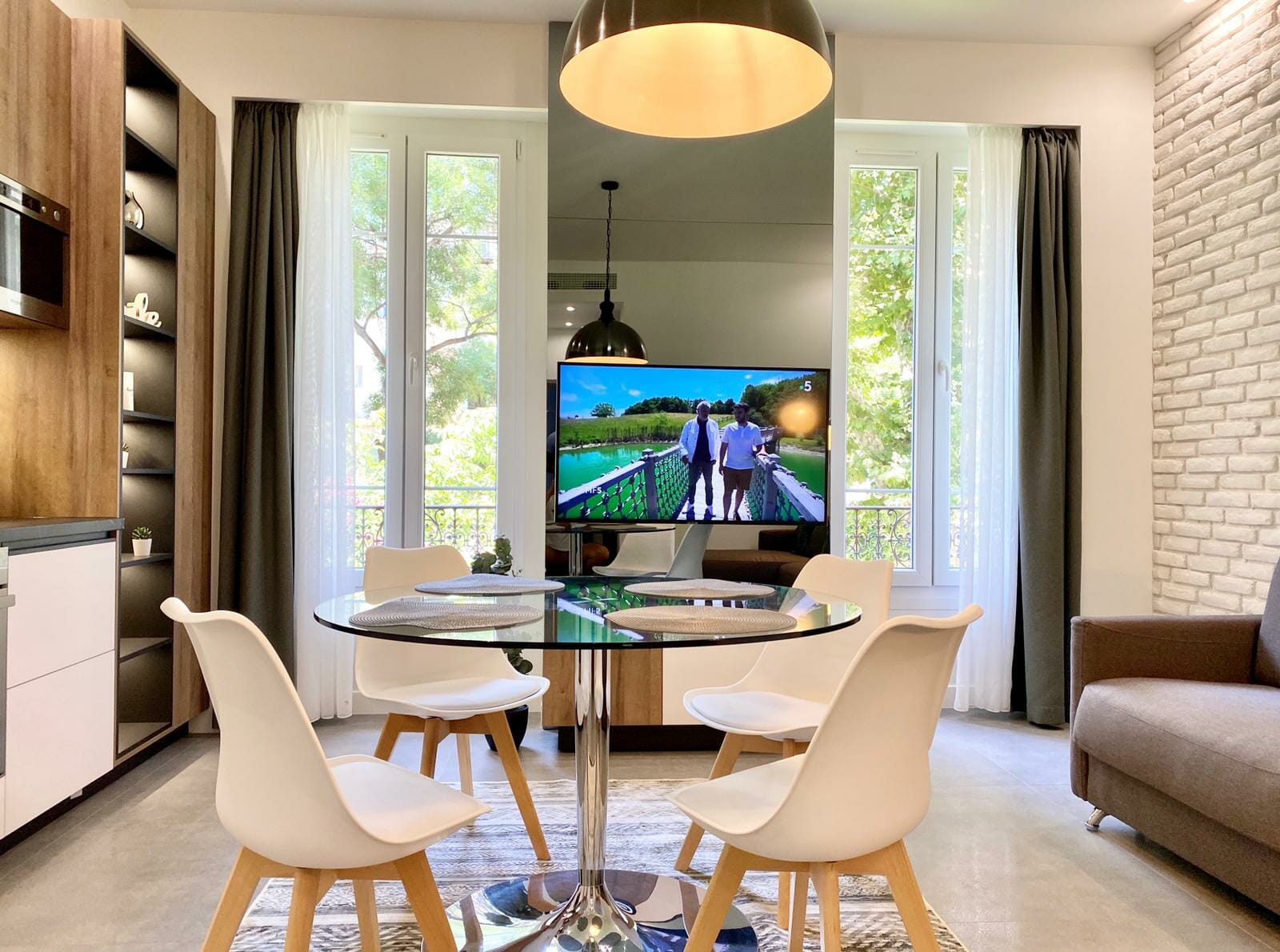 booking apartments in nice france